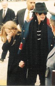 Michael Jackson egy kislánnyal - ilyen képeket csak ritkán jelentetett meg a média
