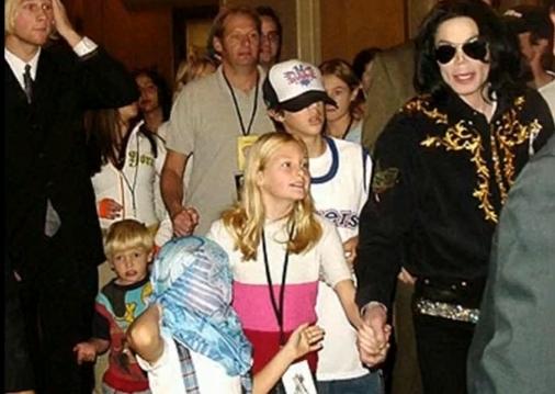 Jackson-kids-in-Vegas-prince-michael-jackson-9733293-506-359